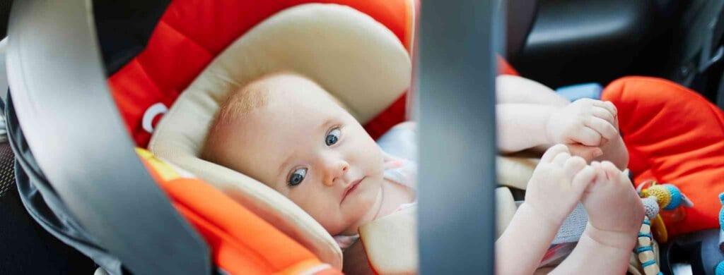 כיסא לתינוק לרכב