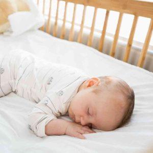 איך בוחרים מיטה לתינוק